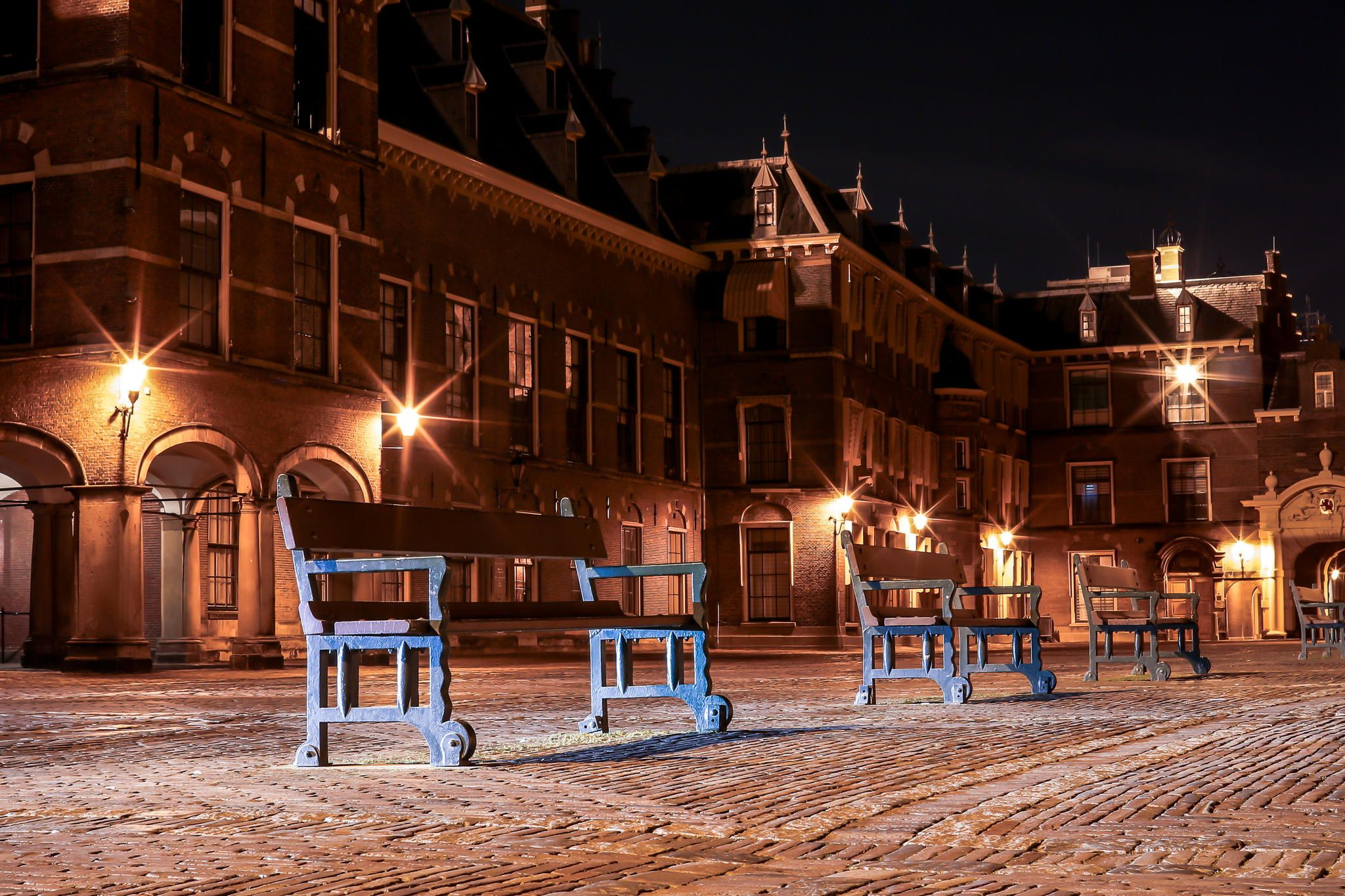 Seven lights of Binnenhof yard