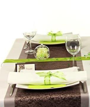 tischdeko gr n und braun die tischdeko in einer 360 ansicht kannst du dir hier ansehen http. Black Bedroom Furniture Sets. Home Design Ideas