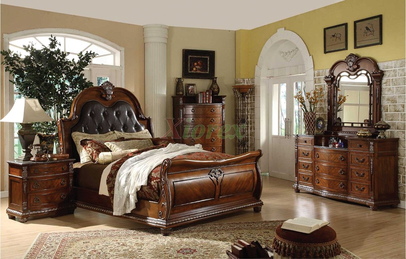 Exceptionnel Sleigh Bedroom Set With Sleigh Queen Bed And Sleigh King Bed 106 Traditional  Bedroom Furniture Set With Leather Headboard Beds