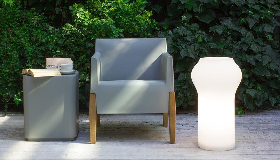 Valaisin Floret | alkaen 389€ | Design by  Raffaella Mangiarotti | PuksipuuShop.fi | Lisätietoja täältä: http://puksipuushop.fi/tuote/floret-terassivalaisin-serralunga/