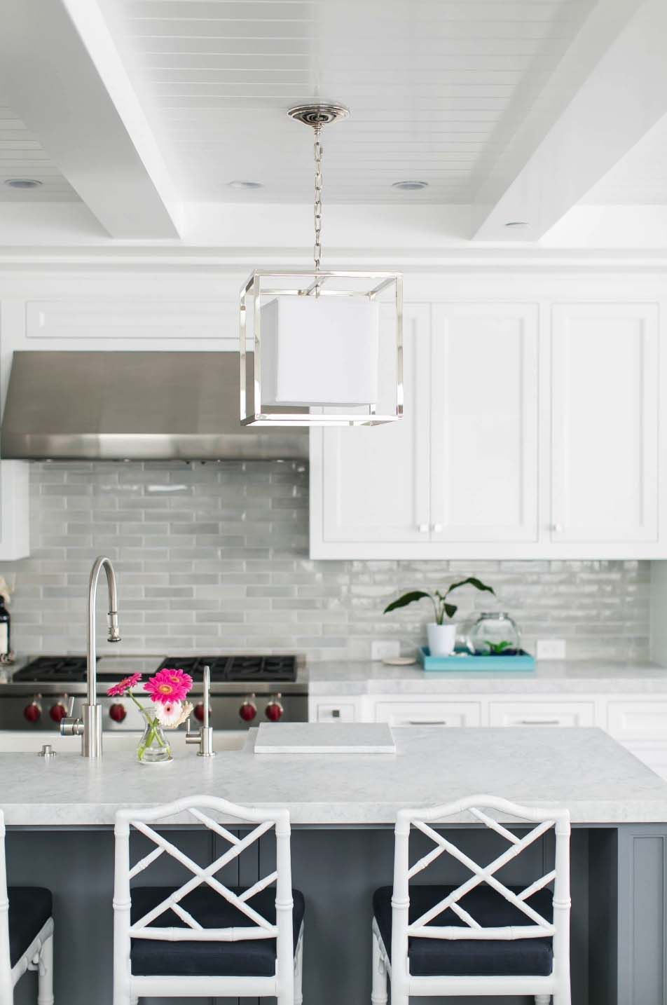 California Beach House Boasts Airy Contemporary Farmhouse Style Kitchen Backsplash Designs Backsplash For White Cabinets Gray Kitchen Backsplash
