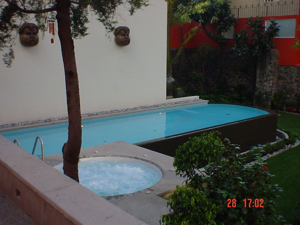 Negative edge pool piscina borde negativo tipo pila - Piscina con jacuzzi ...
