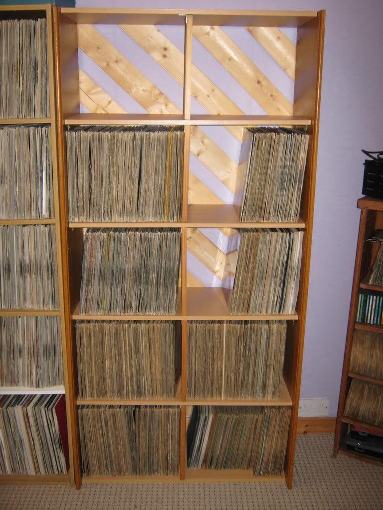 DIY record shelf: http://www.discogs.com/groups/topic/335597