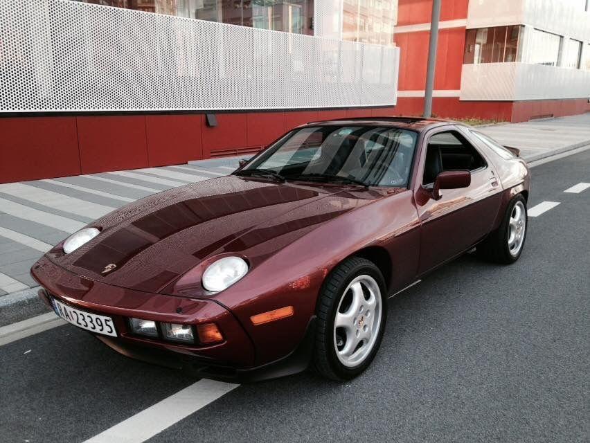 Burgundy Porsche 928 Porsche 928 Vintage Cars Classic Porsche