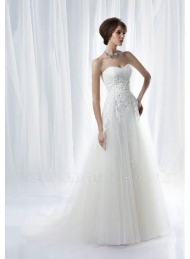 This is going to be my wedding dress!! Corset top tulle bottom ...