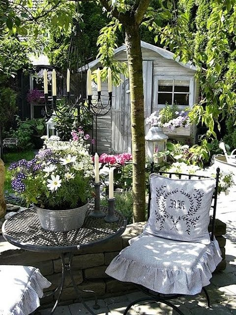 shabby chic garden decor shabby chic garden gardens. Black Bedroom Furniture Sets. Home Design Ideas