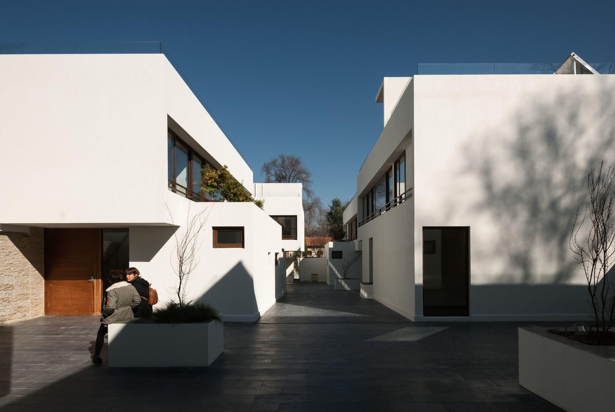 Condominio San Damián / Chauriye Stäger Arquitectos