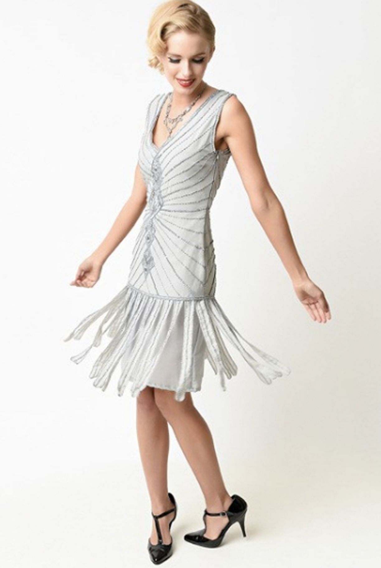 Go Back In Time To The Roaring Twenties And Trade Up Your Chic Style For This Impeccable Hand