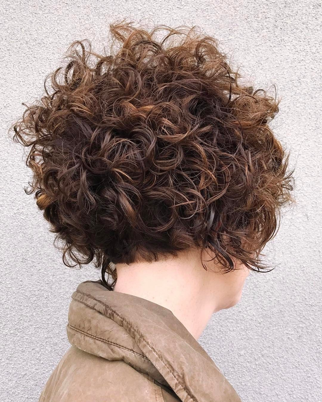 120 Most Inspiring Curly Short Hair Ideas – Hairstyles With Extra Touch of Femininity Check more at http://hairstylezz.com/best-curly-short-hair/