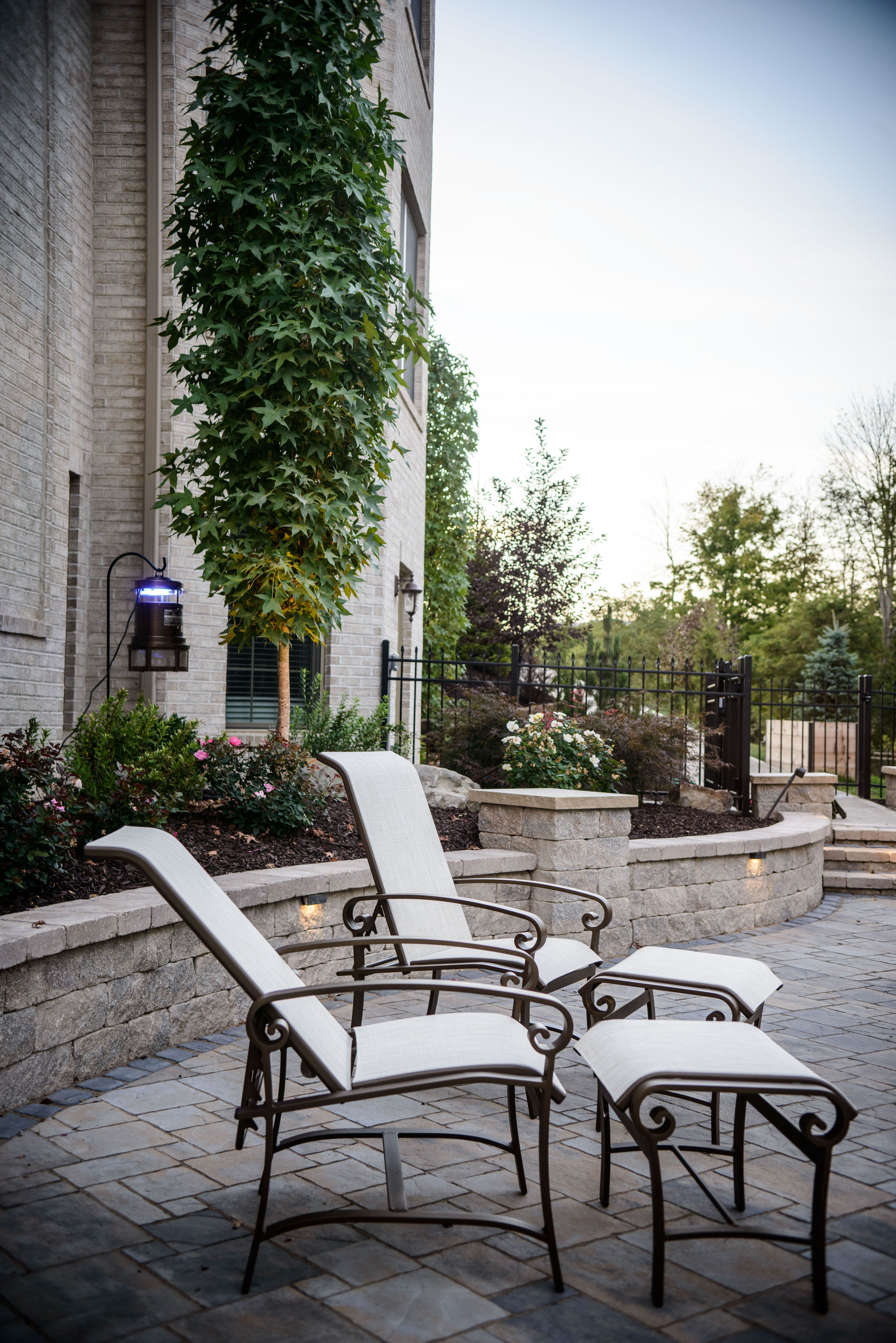 A sitting wall to border a patio | Sitting, Retaining and ... on Life Outdoor Living Block id=76260