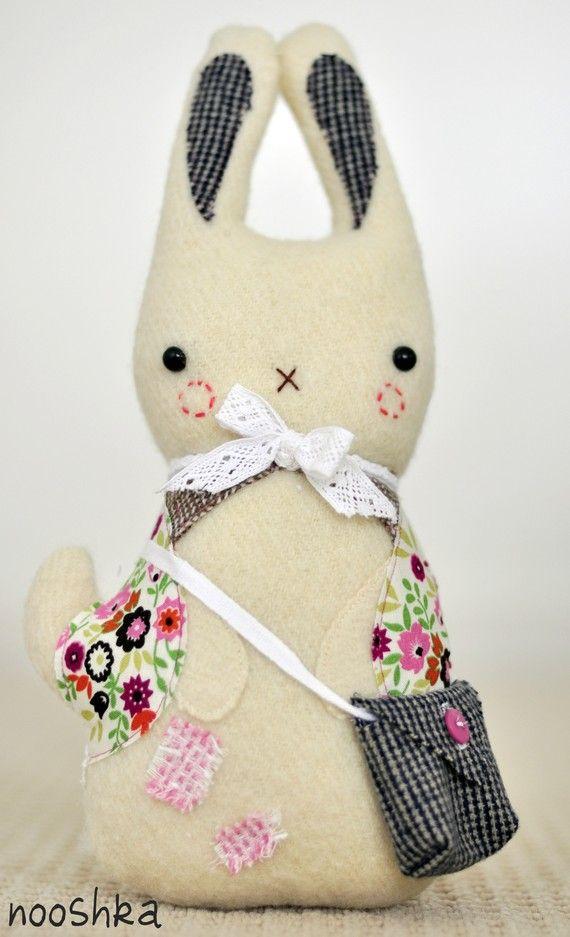 Messenger Bunny. | Muñecas | Pinterest | Muñecos de tela, Tela y Conejo