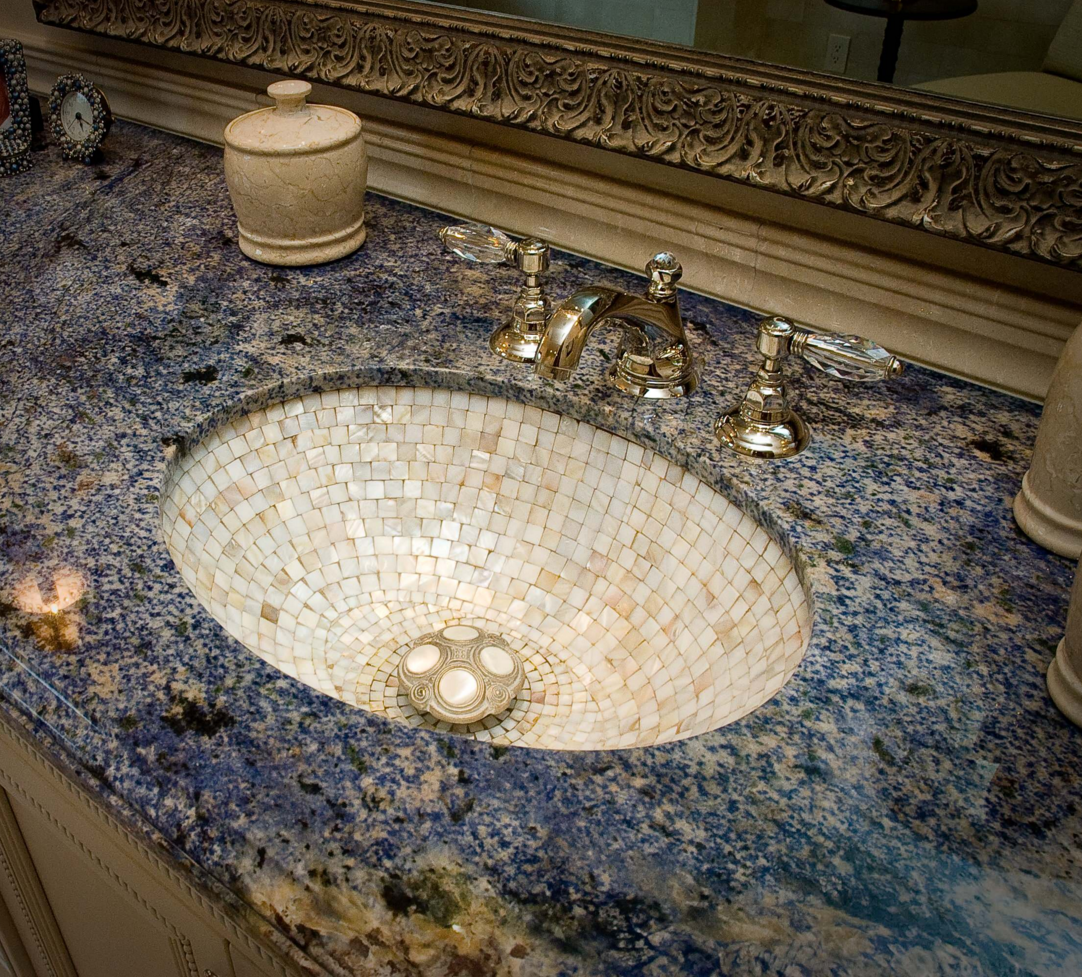 Exklusiv und formschön geben Granit Waschtische Ihrem Badezimmer ... | {Waschtisch selber bauen granit 76}