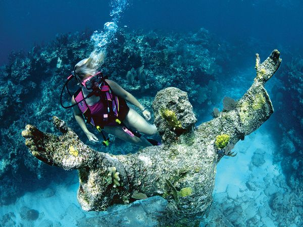Christ Of The Abyss Off Key Largo Largo Is Great For Diving