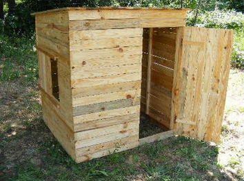 cabane en planches de palette par brie30 sur le cdb jardin pinterest planches de. Black Bedroom Furniture Sets. Home Design Ideas
