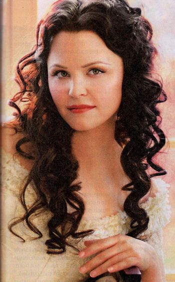 Ginnifer Goodwin as Snow White in Once Upon A Time ...
