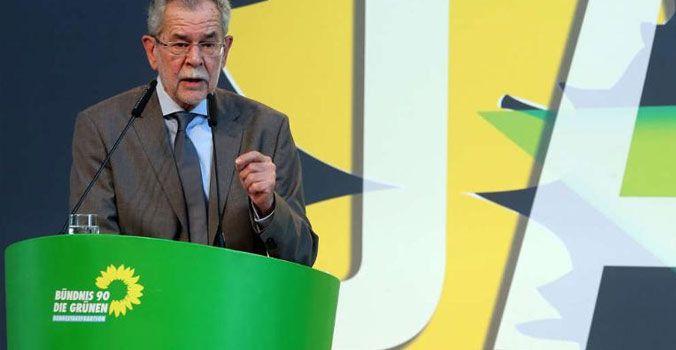 La lezione austriaca. L'ecologista Alexander Van der Bellen sfiderà Norbert Hofer
