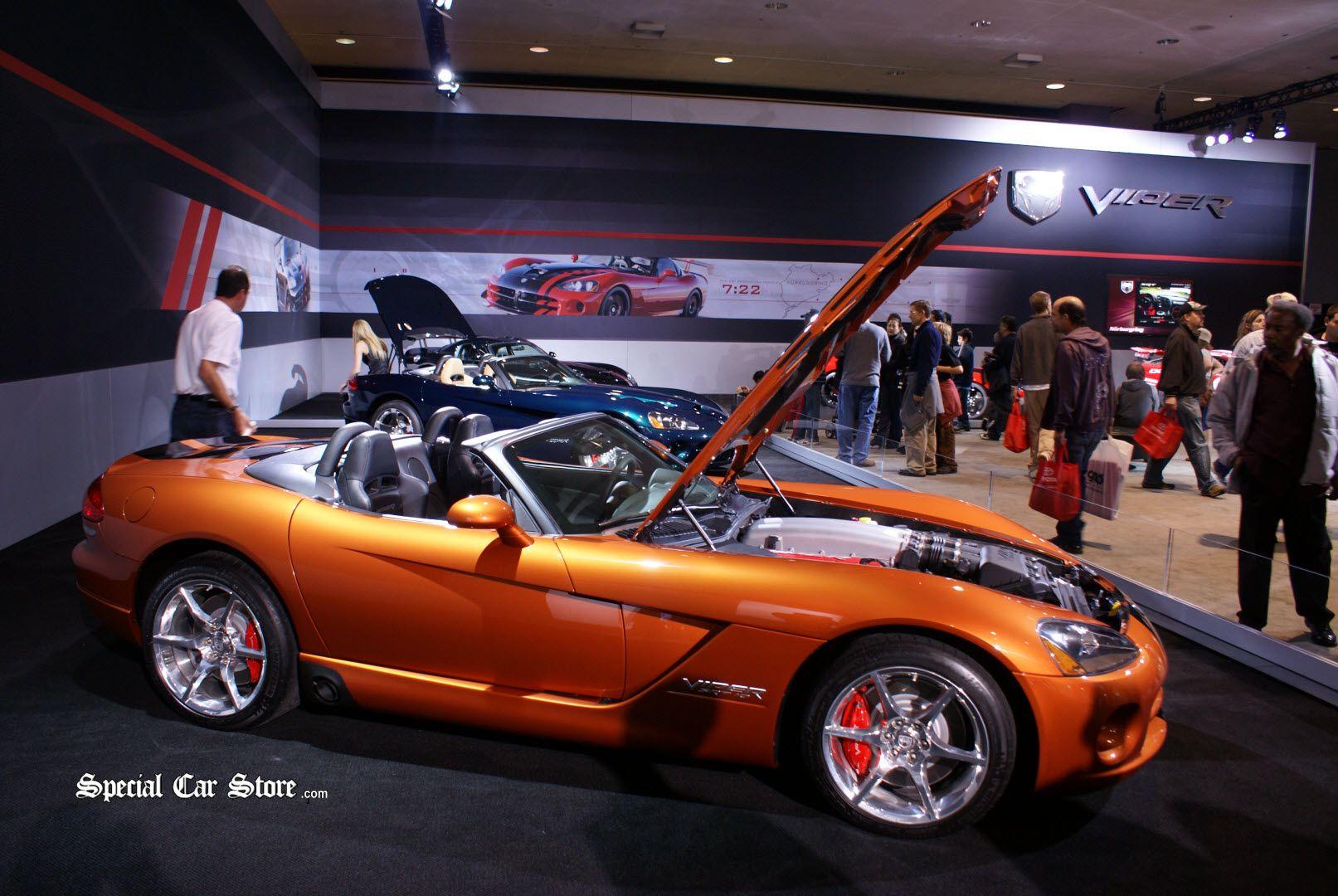 2010 Viper SRT10 Roadster LA Auto Show 2009 & 1 of 10