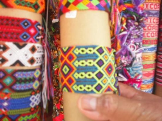 bb2bf9a68d05 pulsera de hilo tipo artesanal hilo