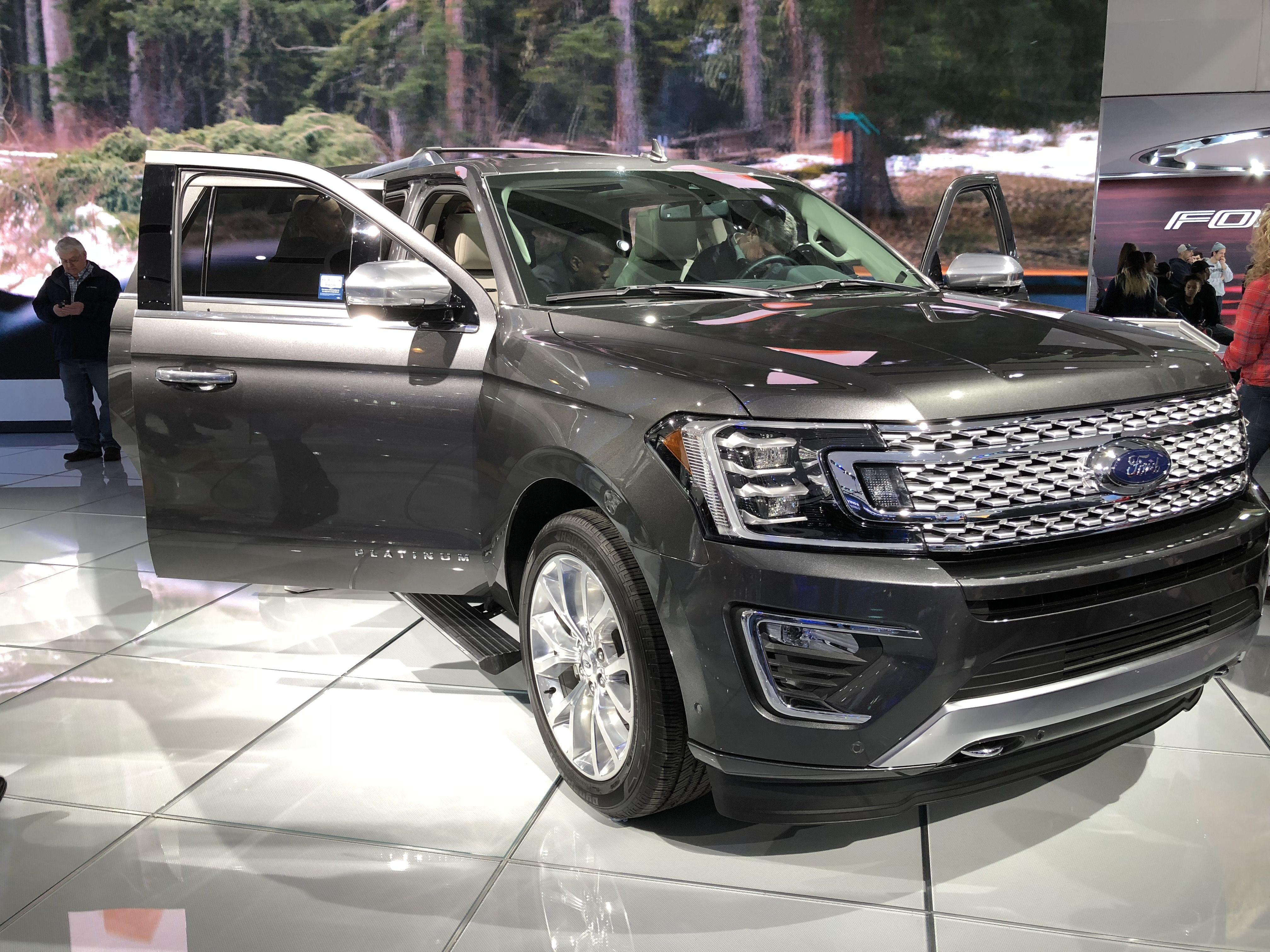 2018 Ford Expedition Max Platinum With Images Ford Expedition