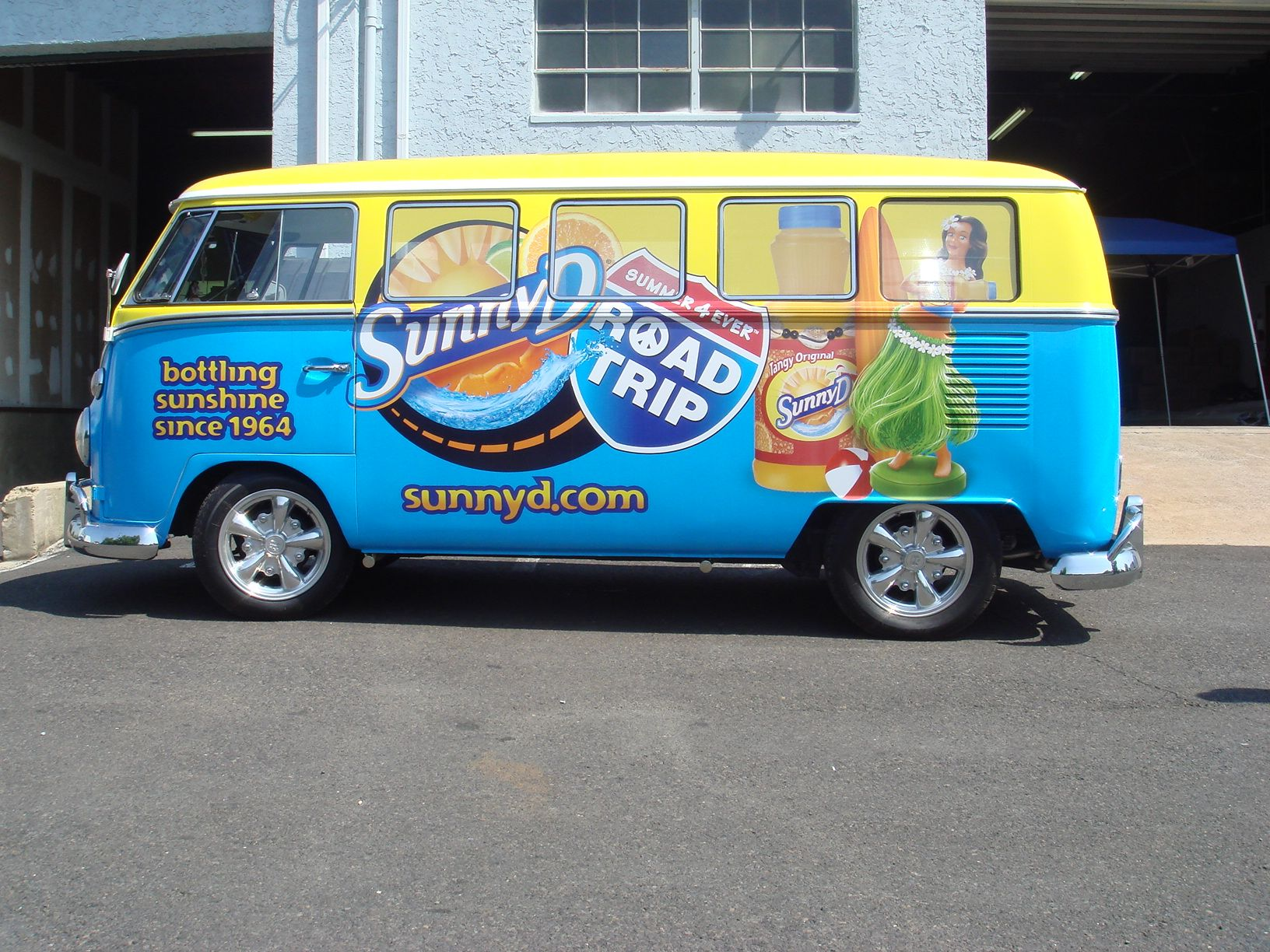 D And D Trailers >> Rock Out With Sunny D And Vw Ael Provided Classic Vw Van 2