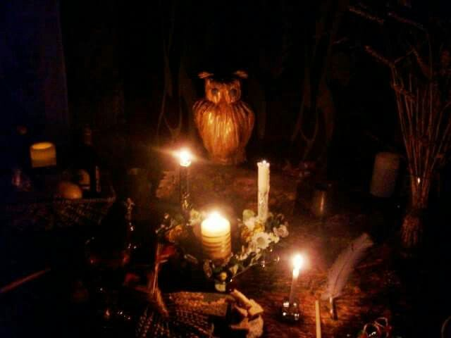 Altars can be as elaborate or simple as you like. This one was created as a group effort everyone brought or made an item to go on . Great way to celebrate sabbats with friends .#witches #pagan #sabbats #love #friends #celebration