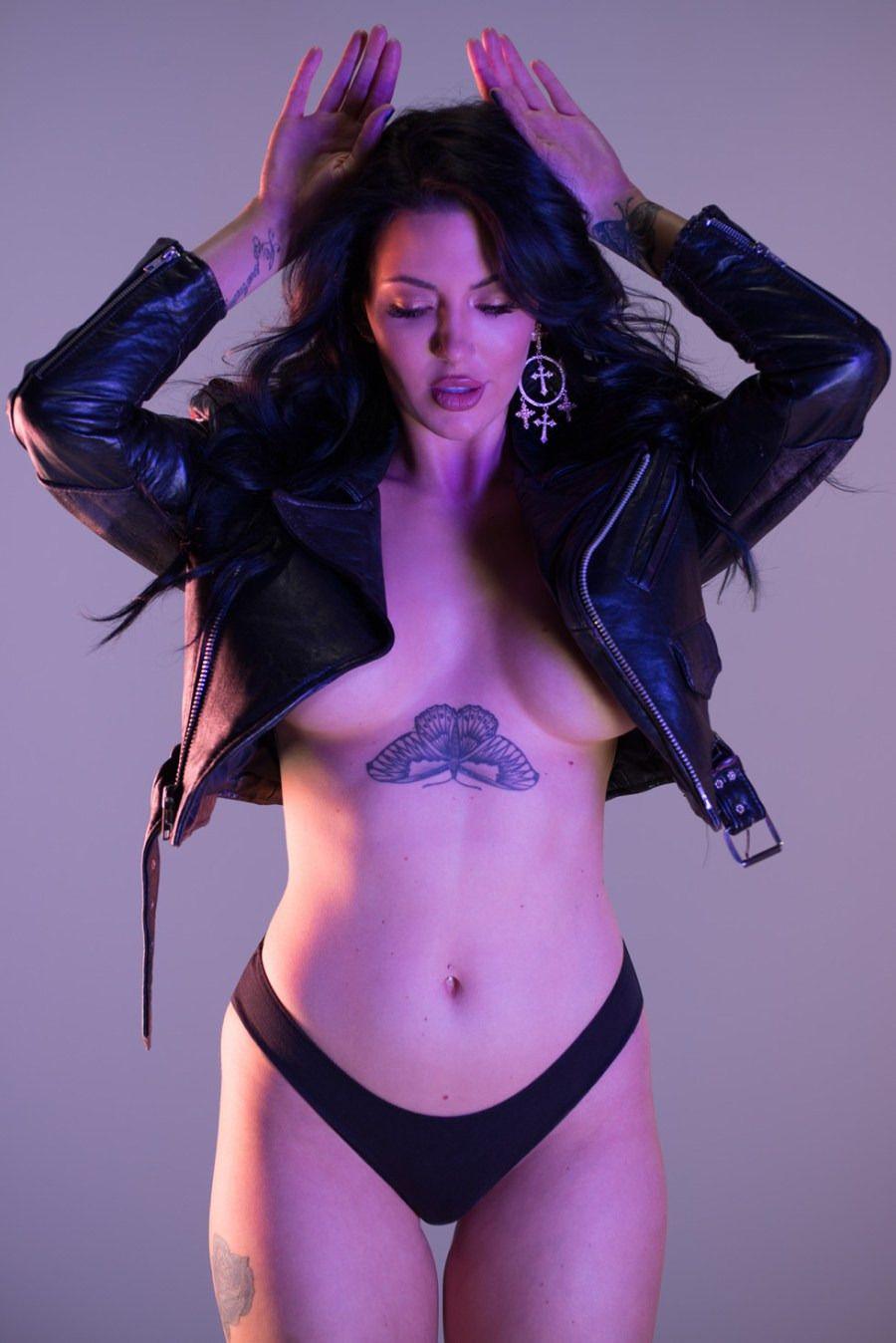 Dorothy Martin - Dailyhottcom  Hot  Girl Smoking, Real -9430