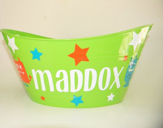 Personalized Childrens Monster and Star Plastic Tub for Gift Basket, Toy Bucket, Favor Container or Snack Storager, Birthday Parties