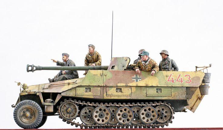 Image result for Sd.Kfz.251/22 â 7.5 cm PaK 40 L46 auf Mittlerer Schützenpanzerwagen