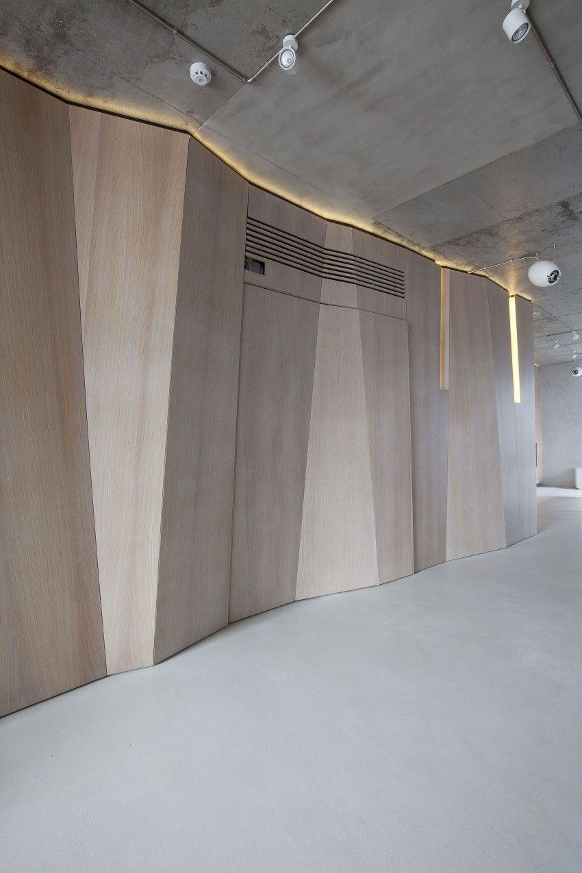 Apartment in Moscow by M17  Schreiner  Bambus Badezimmer Wandverkleidung holz und