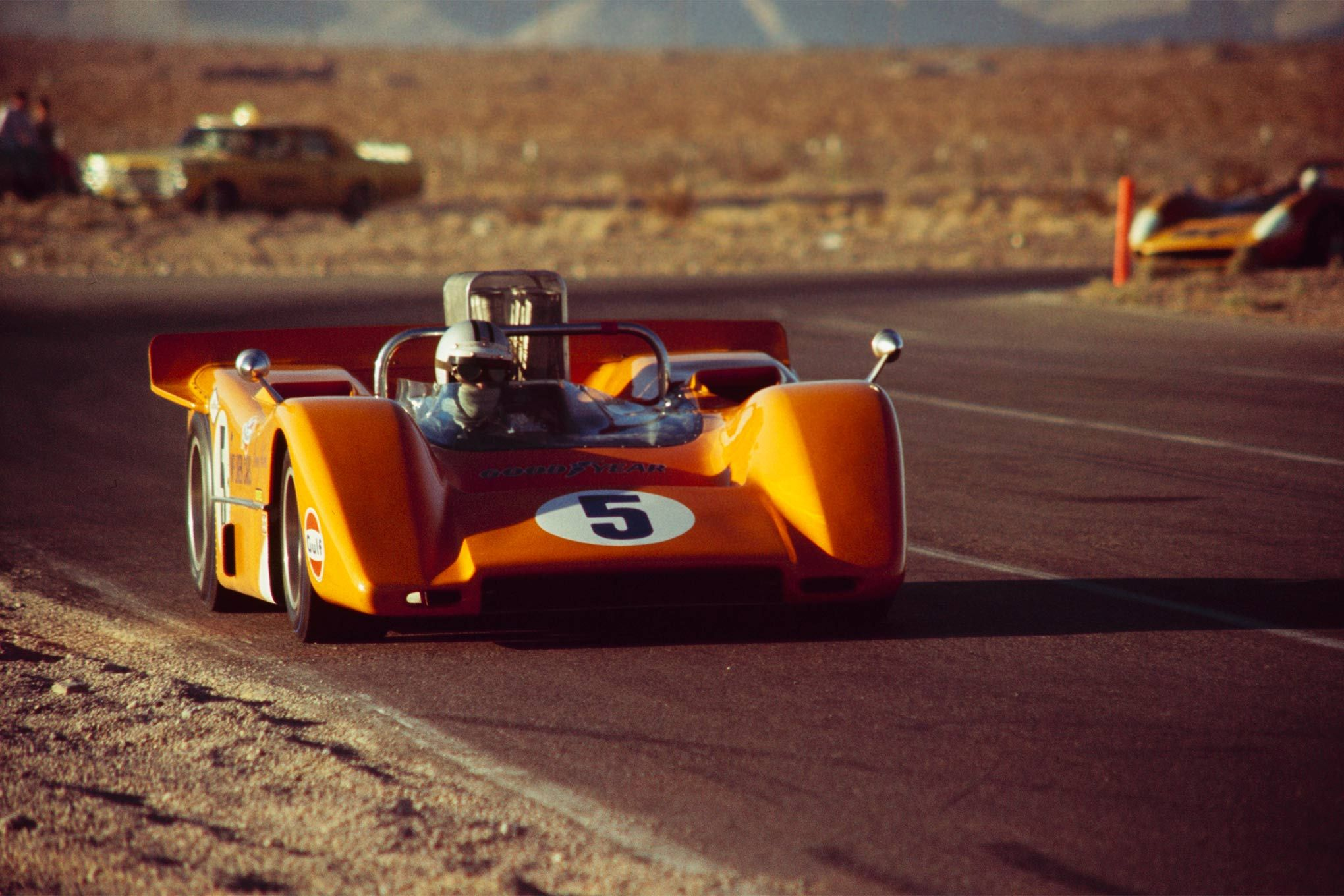 Denny Hulme Mclaren M8a Chevrolet Mclaren Cars Ltd Stardust Grand Prix Can Am Las Vegas 1968 Canadian America Racing Sports Car Racing Mclaren Cars