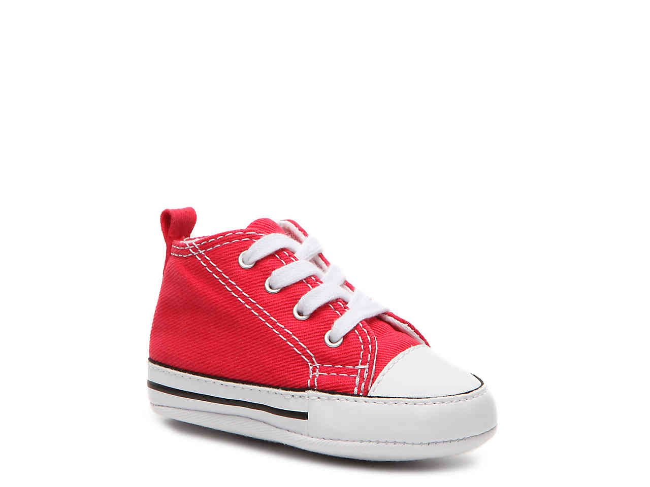 6959750af4352a Chuck Taylor All Star First Star Infant Crib Shoe