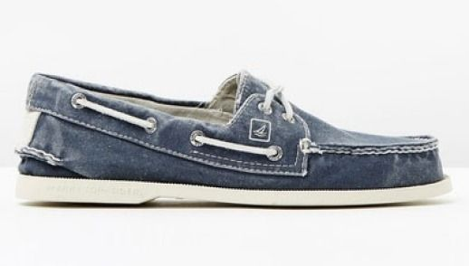 Sperry's original 2-Eye style in canvas.