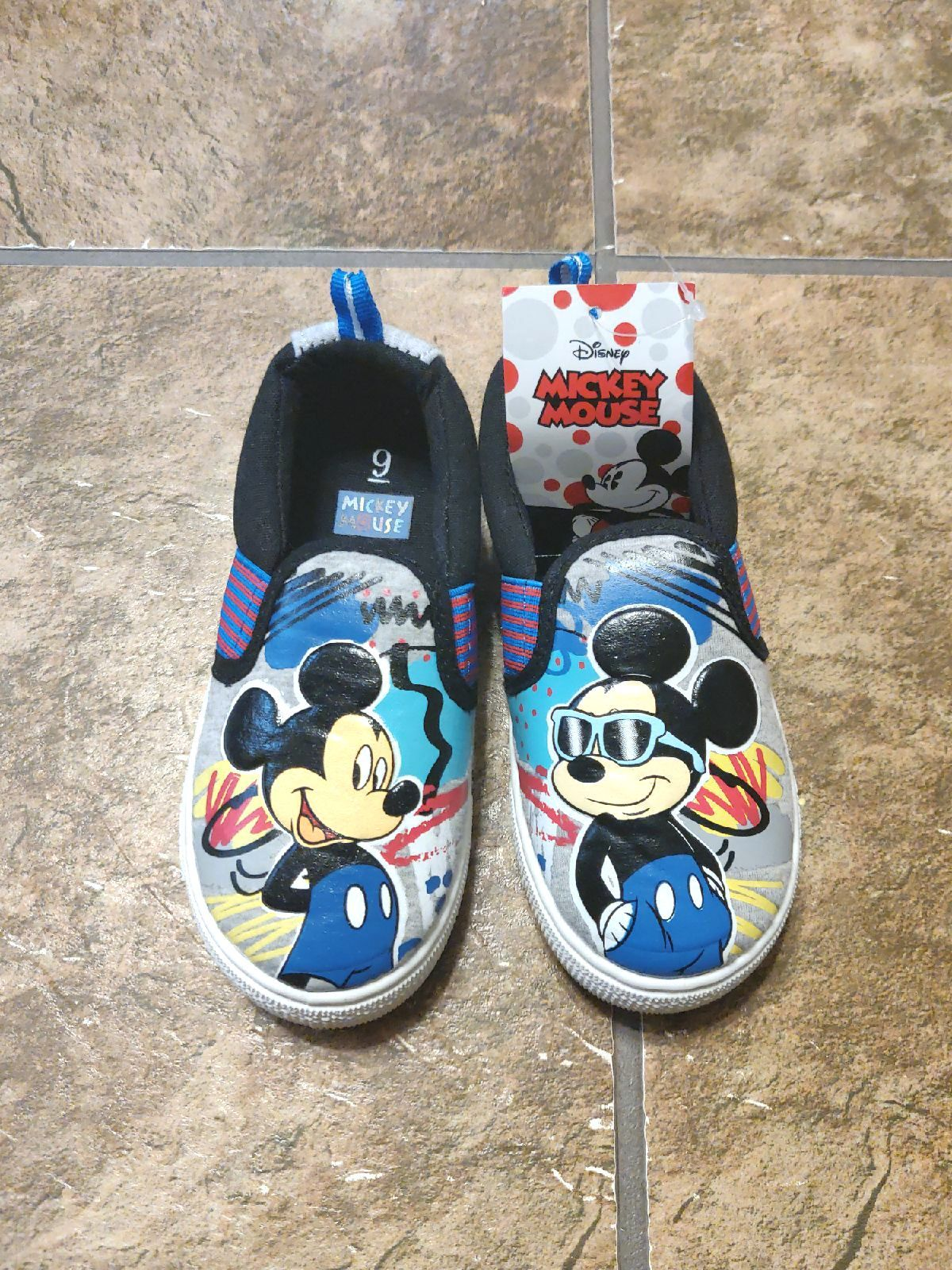 Size 9 Mickey Mouse Canvas Shoes in