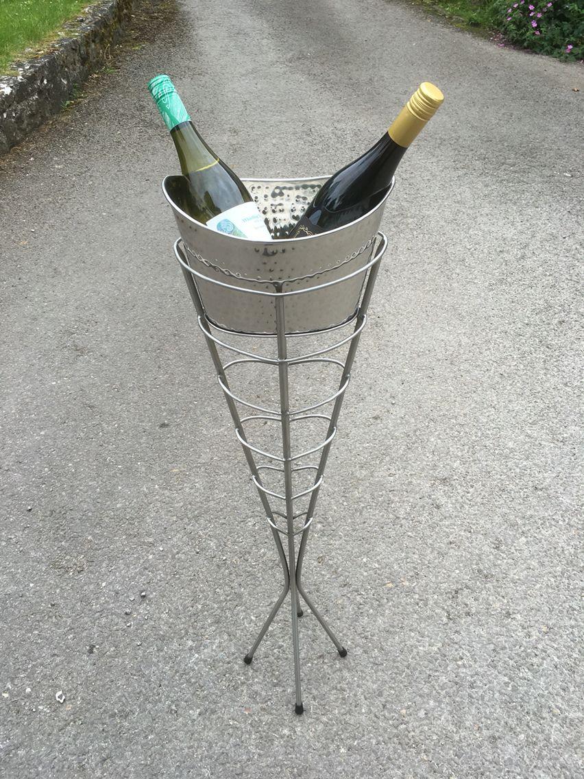 www.jamesjonessculpture.uk
