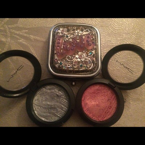 MAC Metal-X Cream Shadows MAC Metal-X  Pink Ingot  Cream Shadow  MAC Metal-X  Cyber Cream Shadow both gently used,cream shadow is not for me! Sold as combo or individual❤️please submit all offers via offer button thanks❤️ MAC Cosmetics Makeup Eyeshadow