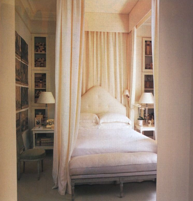 Paolo Moschinou0027s London bedroom Photo by Simon
