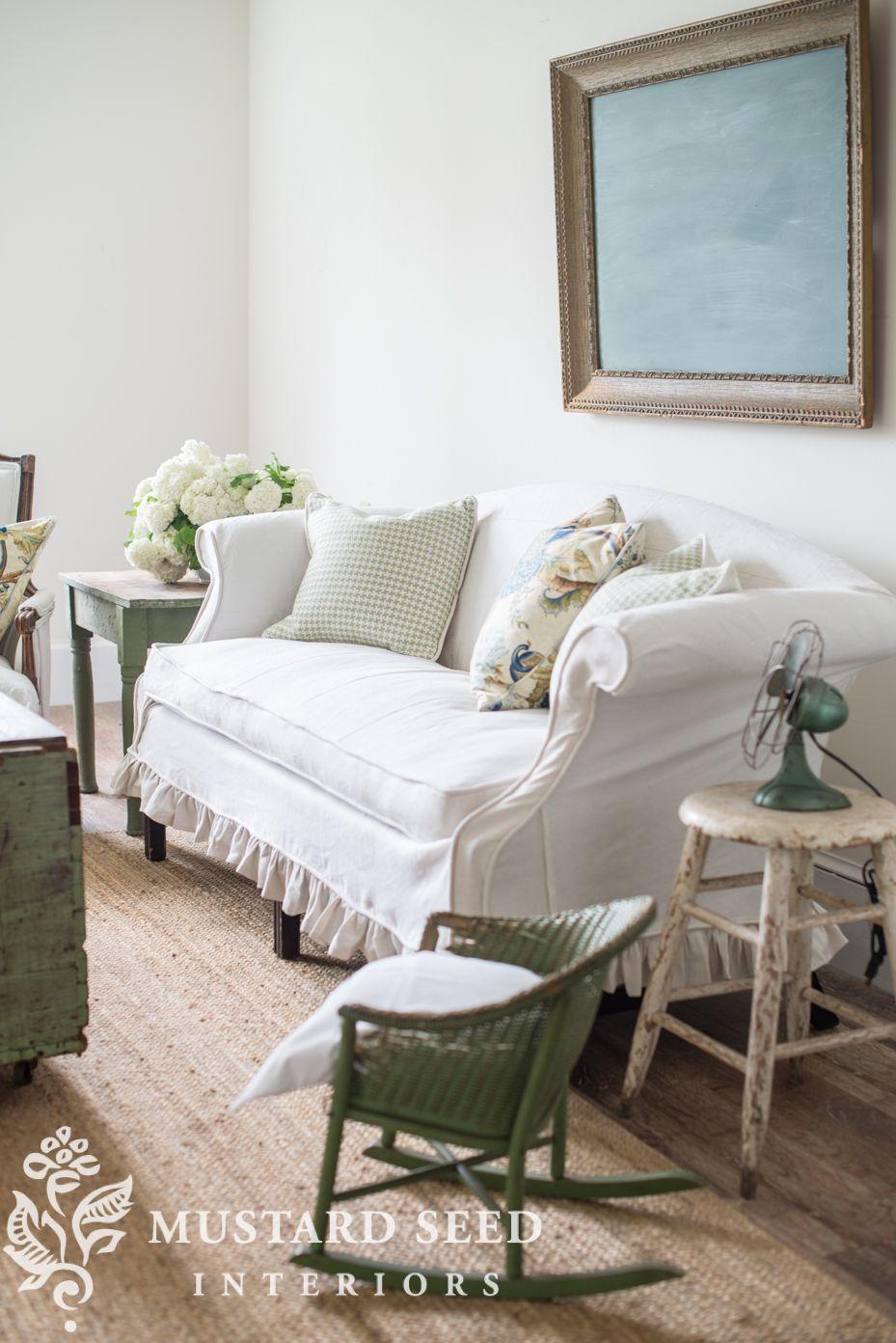slipcovered settee living room spiration farmhouse style rh pinterest com