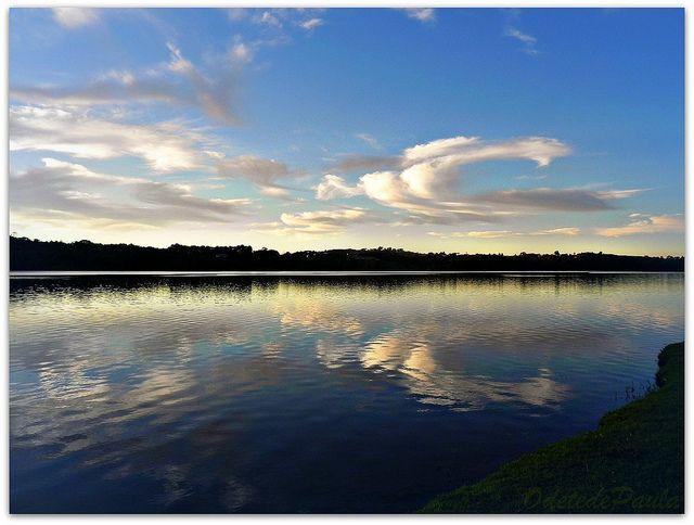 nuvem, céu ou reflexo? by Odete de Paula, via Flickr