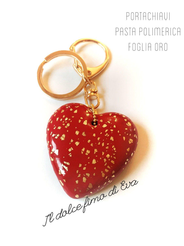 Portachiavi cuore dorato di ildolcefimodiEva su Etsy https://www.etsy.com/it/listing/287096127/portachiavi-cuore-dorato