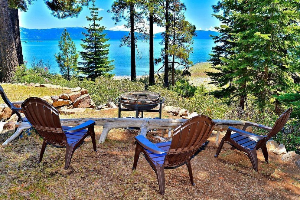 3BR + Loft Exquisite Lakefront Tahoe Retreat, Lake Tahoe