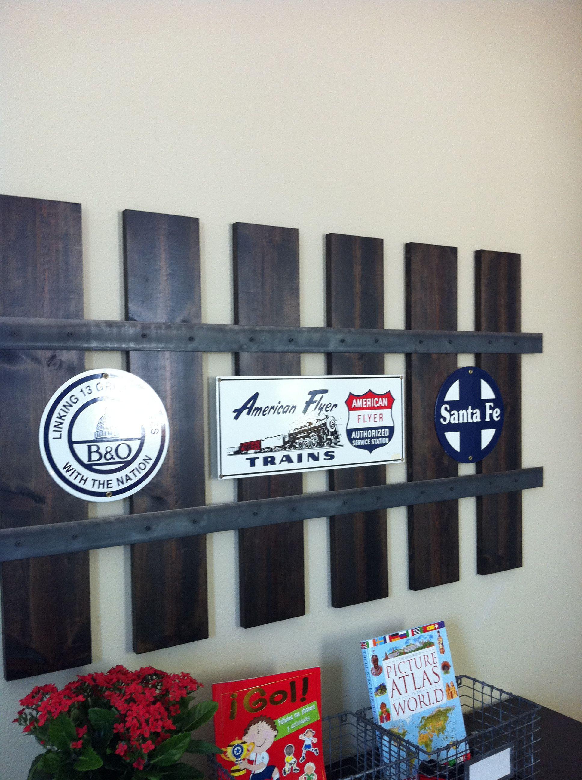 Love this railroad track wall frame home decor ideas
