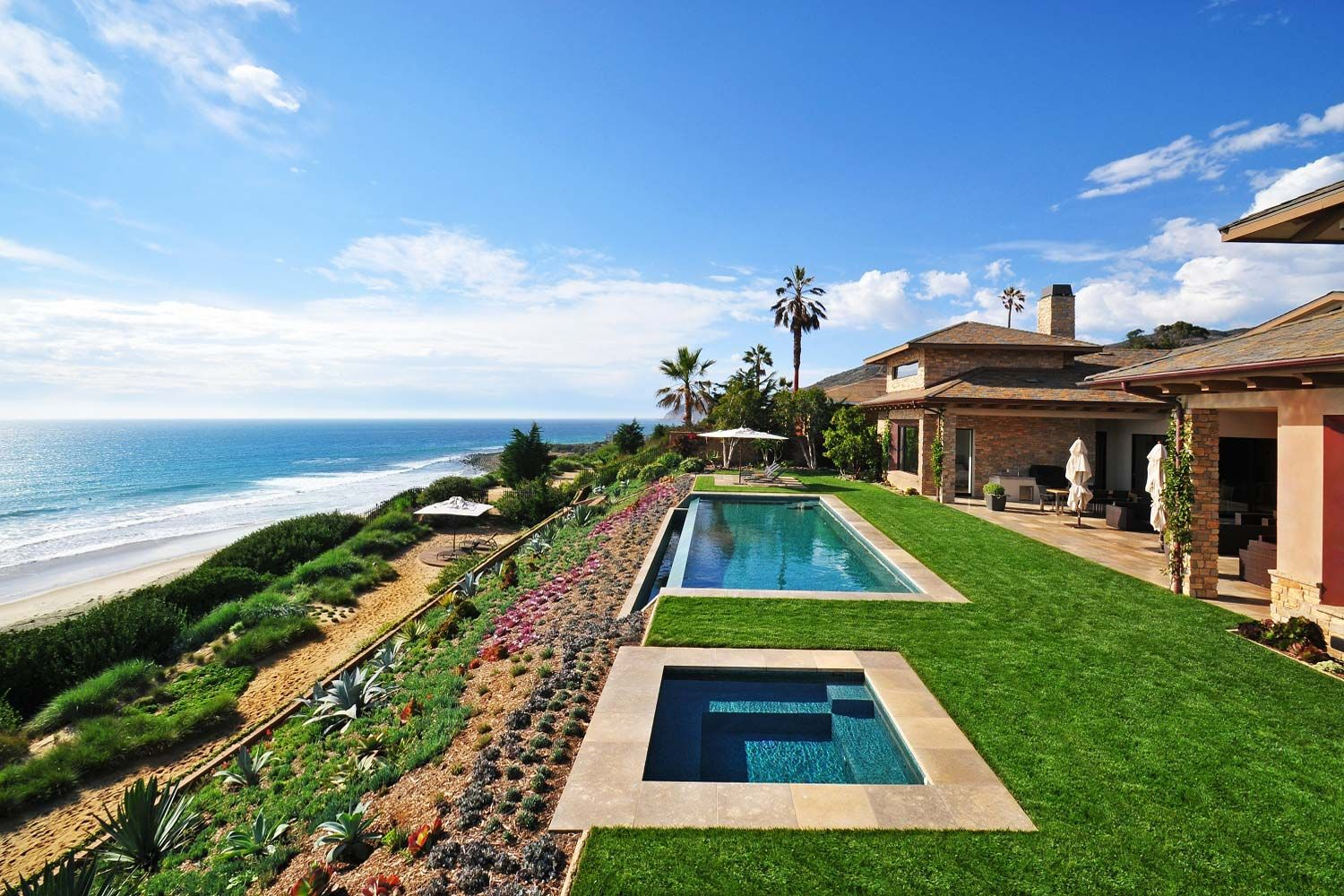 Beautiful beach homes the most stunning outdoors for Buy house in malibu