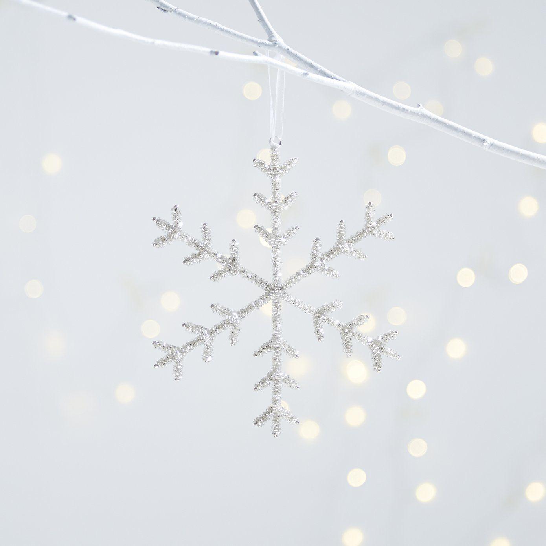beaded snowflake // http://us.thewhitecompany/holidays/room