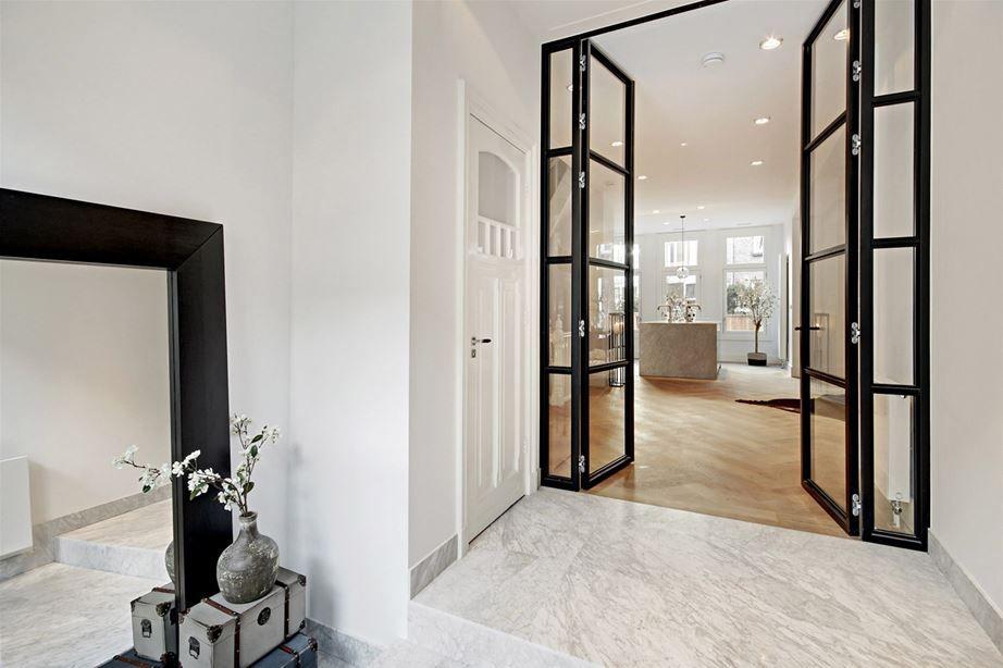Moderne klassieke woonkamer   Steel