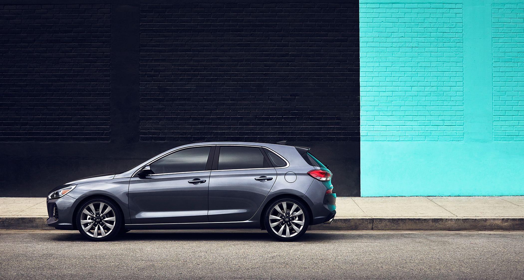 Drive confidently knowing that the 2018 Hyundai Elantra GT and Sport