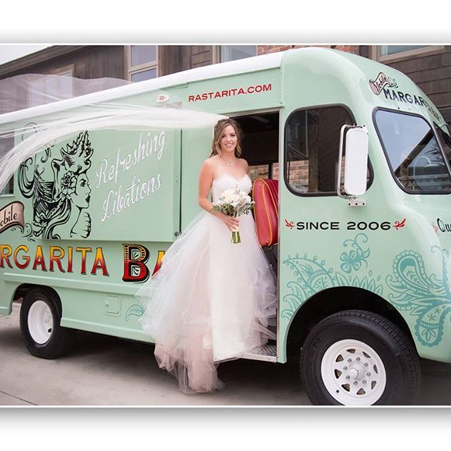 Such a fun idea! A margarita truck! www.simplesmilesphoto.com #DEMbaers #newportwedding #newportbeachwedding #newportbeachweddingphotographer