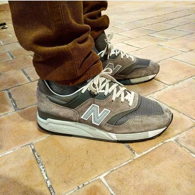 B42l8t Rocking The Classic Madeinusa Newbalance 9975gr That Hybrid Life With The 997 Upper On A 998 Sole Unit Nbgallery Nbgallery9975 Newbalance