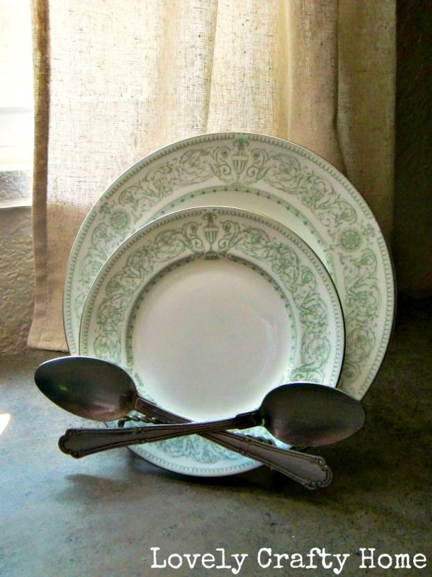 Amy and Anthropologie The Crossed Spoon Plate Stand & Spoon plate holder | DIY Projects | Pinterest | Plate stands Amy ...