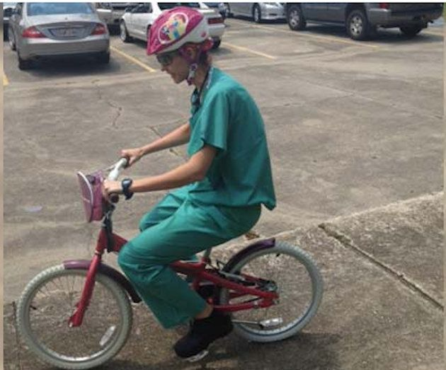 Surgeon Rides Kid S Bike Through Traffic In Race To Hospital