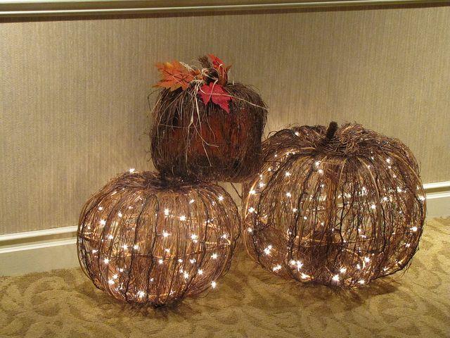 Beautiful lighted pumpkin decorations for an autumn wedding!